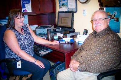 urse practitioner Dara Lee MaDonald speaks with collaborative practice patient Stephen Dickson about his medications during a recent clinic visit.