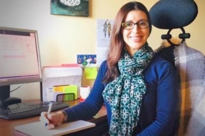 Lesley Dairou is a community outreach worker in Cape Breton who teaches people the proper tools to successfully go smoke-free.