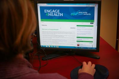 Woman uses engage for health website